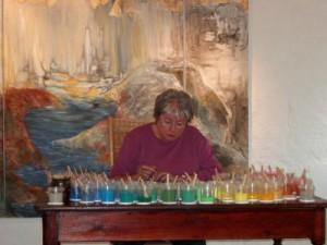 Fremstilling af sandmandala - Galleri Gram Huse